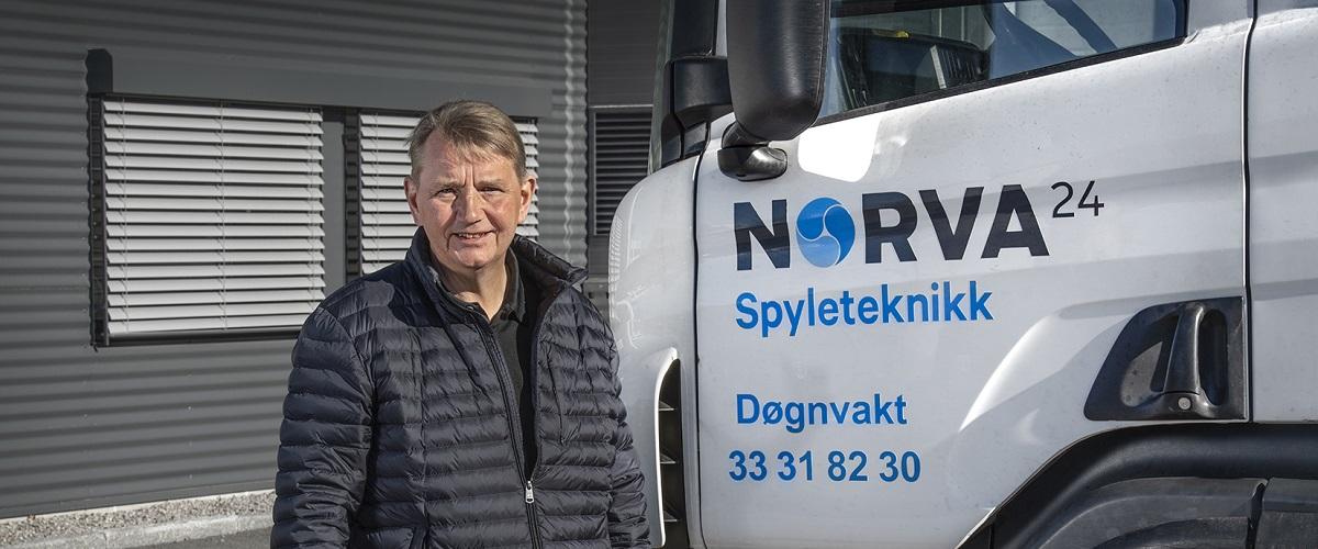 20210423 Norva24 Portrett Jørn ved lastebil – Kopi
